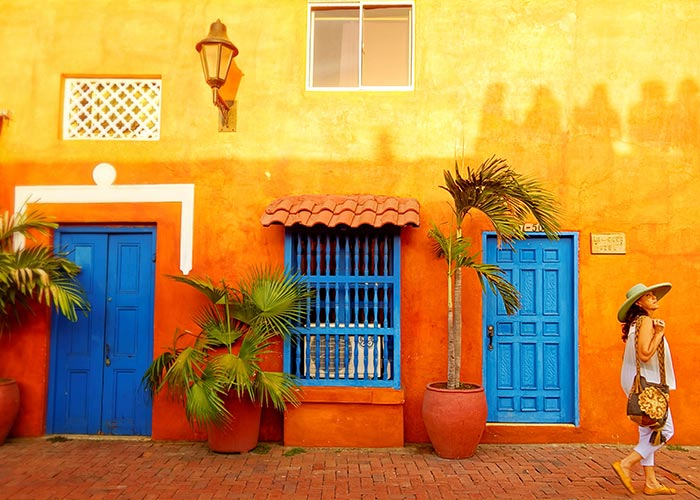 Walking Streets Of Cartagena
