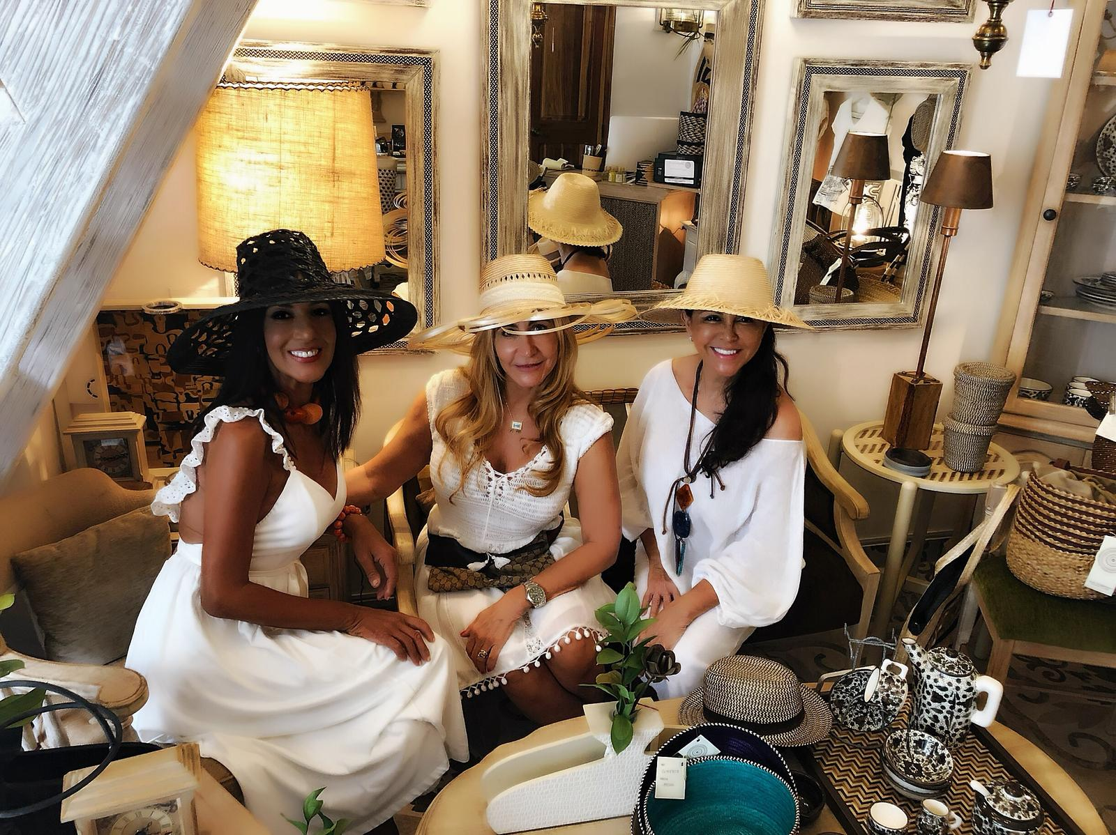 Pia and Daisy with Martha Hampton from Cartagena Colombia Rentals