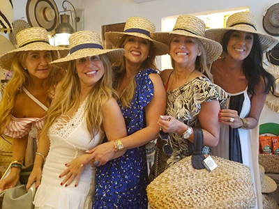 Vacationing Girls in Cartagena