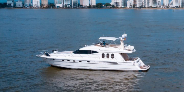 70 FT Searay